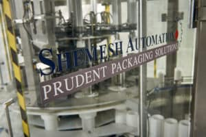 SAS120 Round Wipes Canister Loader 06 Shemesh Automation